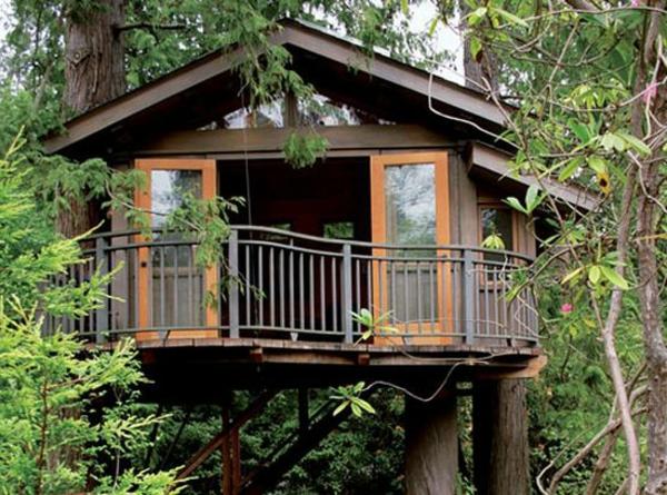 élégante-cabane-dans-les-arbres