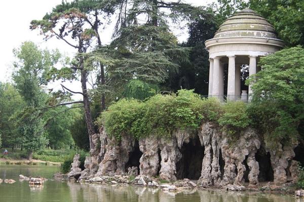 Bois-de-Vincennes-architecture-haussmmannienne