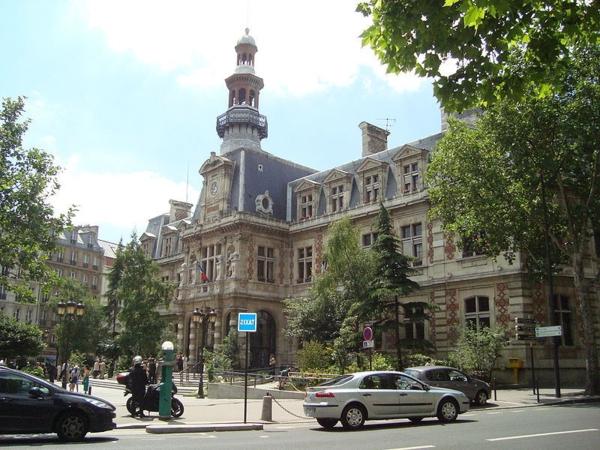 Mairie-du-12e-arrondissement-de-Paris-architecture-haussmmannienne