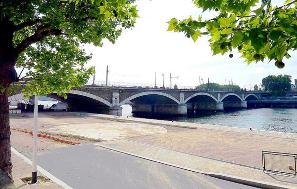 Paris-XII-et-XIII-pont-National-architecture-haussmmannienne