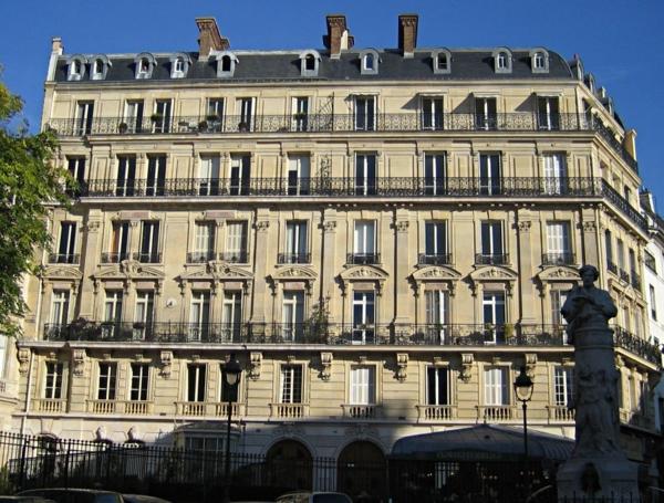 Place-saint-georges-architecture-haussmmannienne
