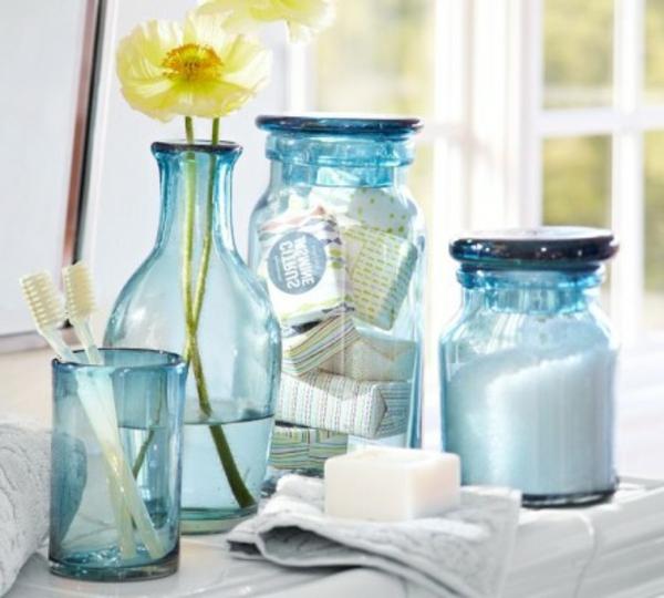 bleu-coloré-sallede-de-bain-accessoires