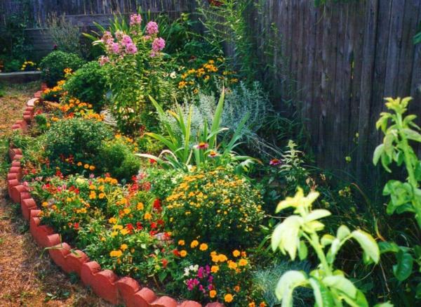 briques-rouge-clôture-décoration-de-jardin-pas-cher