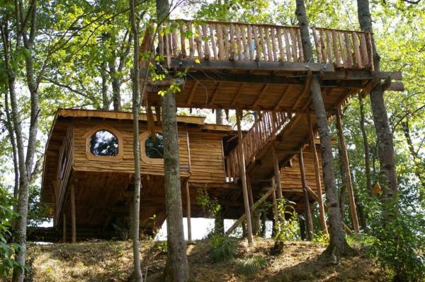 cabane-dans-les-arbres-simple