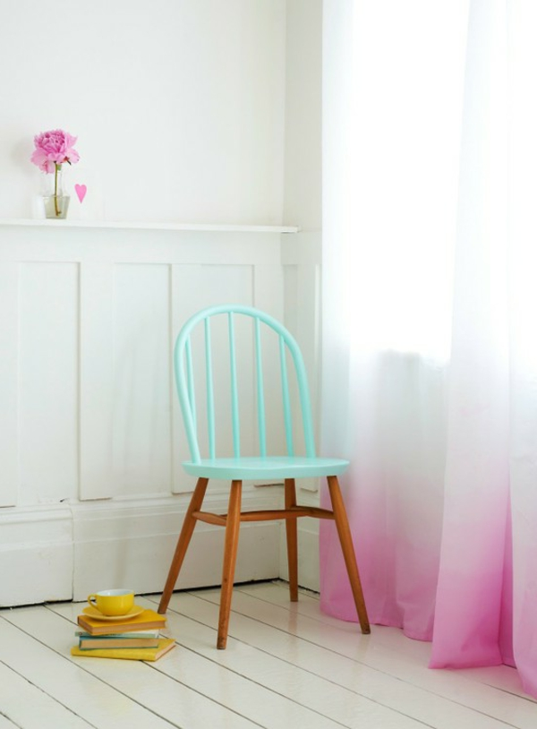 chaise-couleurs-pastels