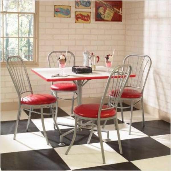 chaise-objet-deco-rouge-retro