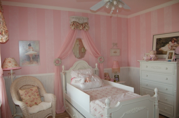 Modele chambre fille princesse pr l vement for Chambre princesse