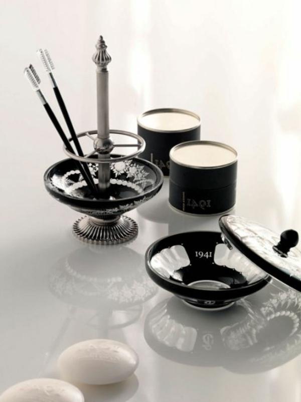 coloré-sallede-de-bain-accessoires-noirs