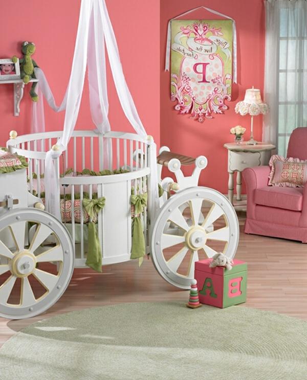 D coration d 39 une chambre de petite princesse - Lit carrosse de princesse ...