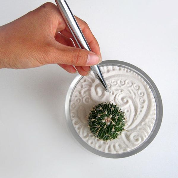choisir une jardin zen miniature pour relaxer. Black Bedroom Furniture Sets. Home Design Ideas