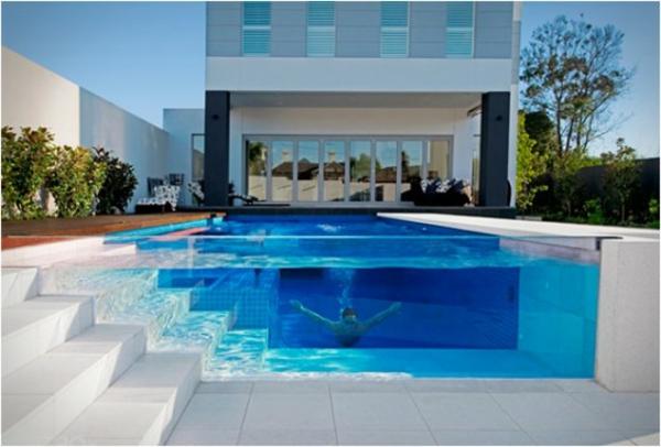 escalier-eux-et-piscines-maison-blanche