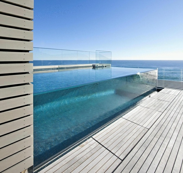 eux et piscines mod les uniques en verre. Black Bedroom Furniture Sets. Home Design Ideas