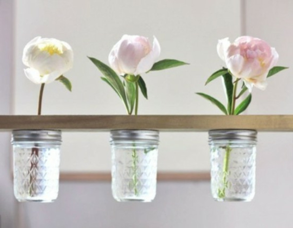 how-to-use-mason-jars-in-home-decor-1-554x432-resized