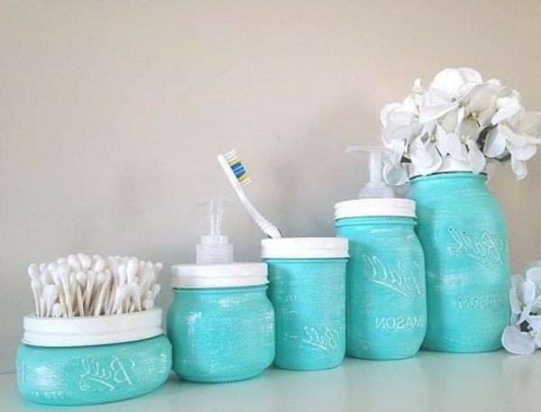 how-to-use-mason-jars-in-home-decor-20-554x422-resized
