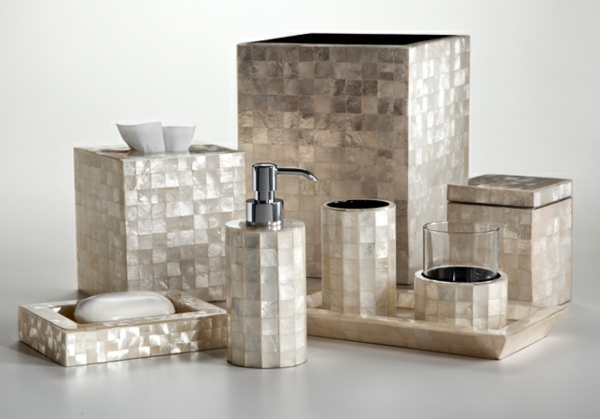 Salle de bain accessoires design avec des for Accessoire de salle de bain design
