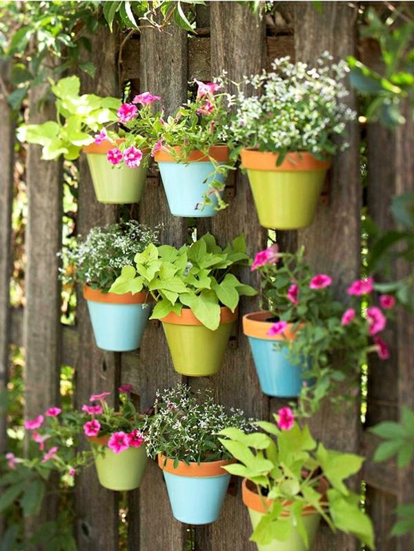 Id es de d coration de jardin pas cher - Pot de couleur pour jardin ...
