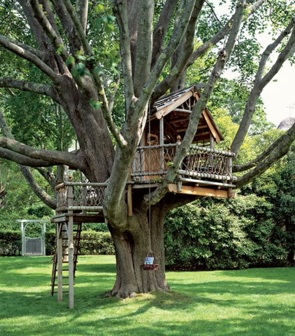 Une cabane dans les arbres luxe nature et chic - Construire une maison dans un arbre ...