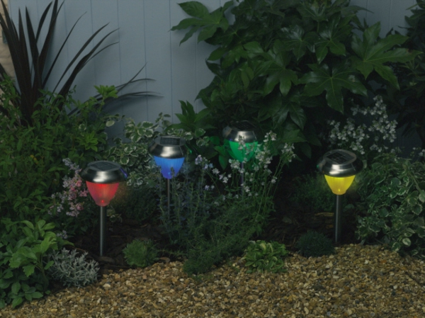 lampes-solaires-jardin-coloré