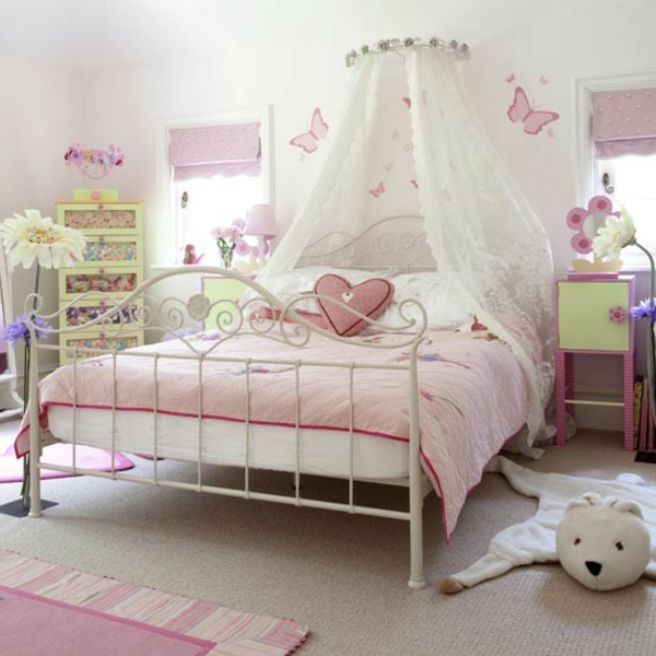 d coration d 39 une chambre de petite princesse. Black Bedroom Furniture Sets. Home Design Ideas