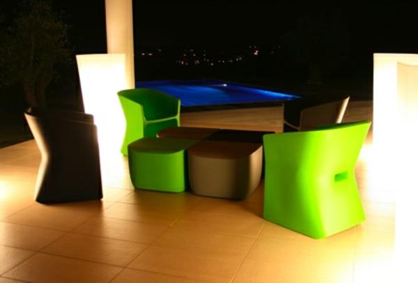 terrasse-meubles-et-cache-pot-lumineux