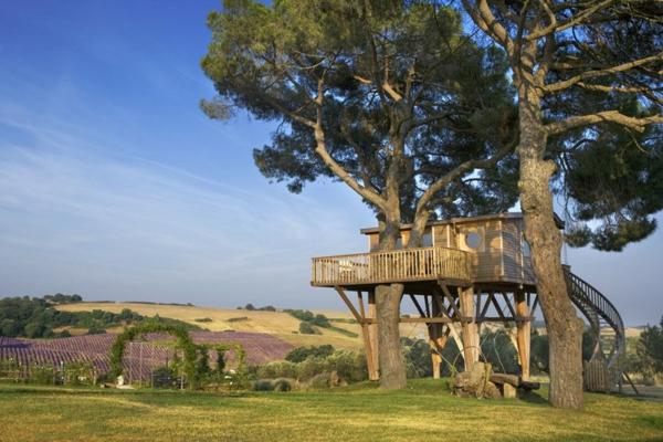 véranda-cabane-dans-les-arbres-