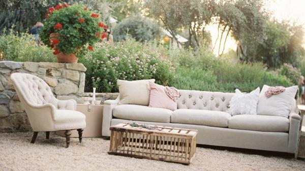 Les meubles vintages comme un accent romantique - Meuble salon vintage ...