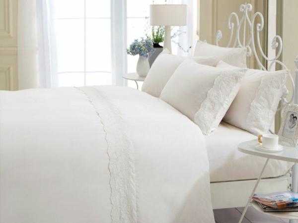 1330702130_Vintage floral white-resized