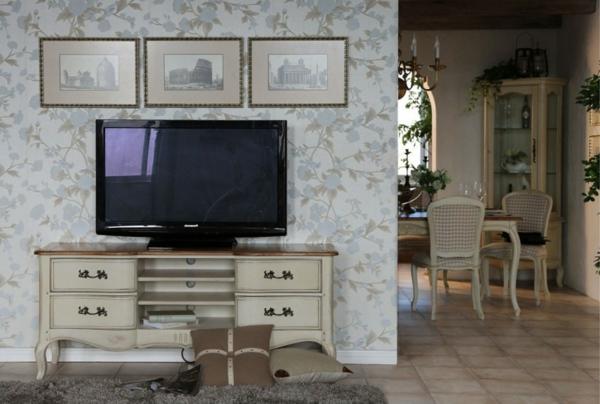 meuble-vintage-et-grand-téléviseur