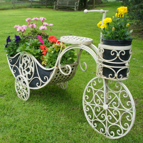 Awesome-Chic-And-Creative-Garden-Decor-Accessories-Ideas-With-Beautiful-Pottery-Design-From-Becycle-Design-resized