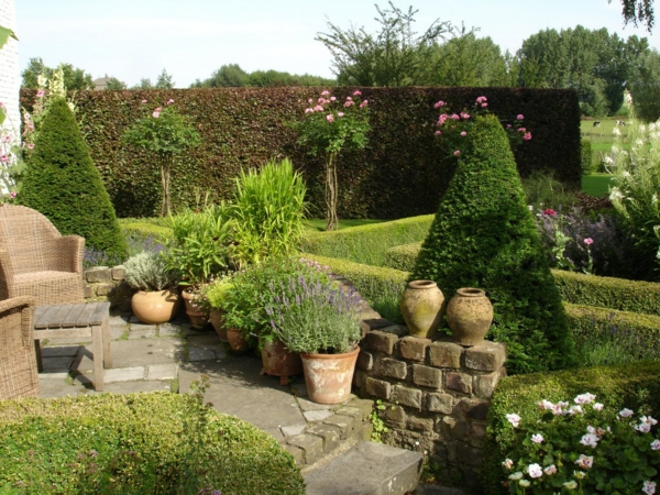 le jardin de buis l 39 incontournable dans l 39 art de jardinage. Black Bedroom Furniture Sets. Home Design Ideas