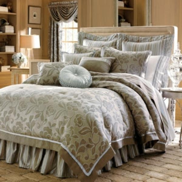 Designer-Bed-Sheet-in-Luxury-resized