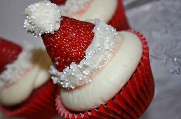 Easy-And-Creative-Christmas-Cupcake-Decorating-Ideas_19-resized