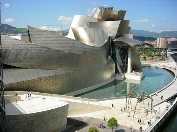 Guggenheim-Museum-Bilbao9-resized