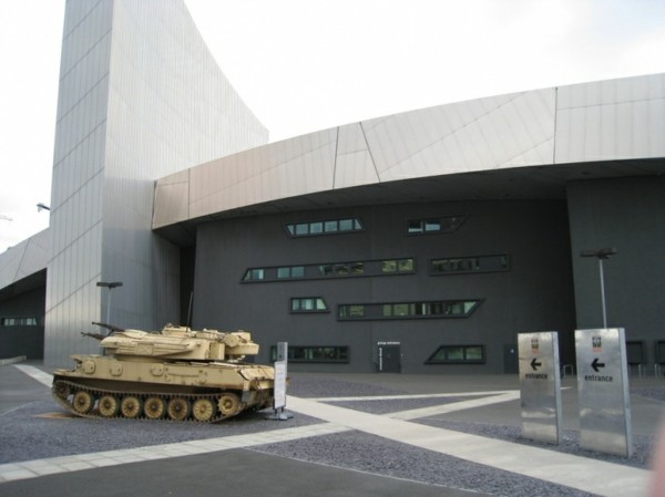 Imperial_War_Museum-resized
