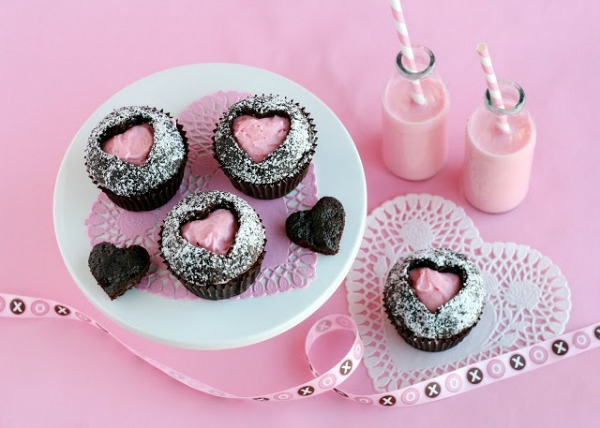 Pink-heart-cupcakes-resized