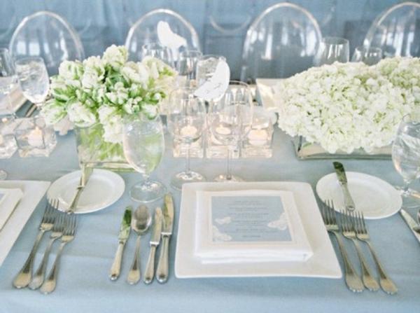 Table-mariage-bleu-pastel_w641h478-resized