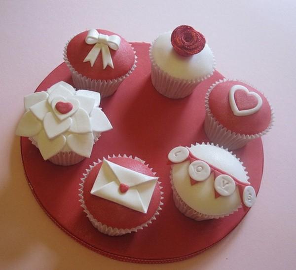 Valentines-Cupcake-Ideas-__04-resized