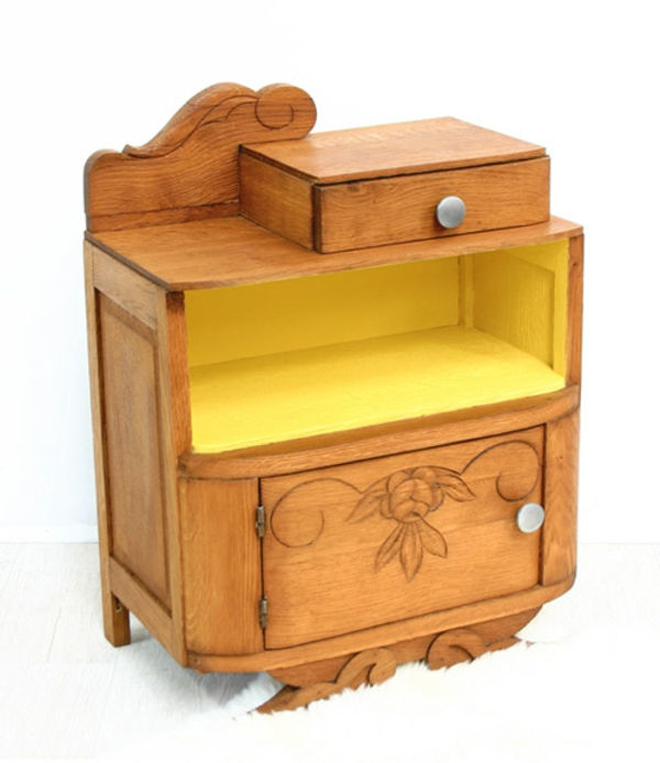 Free une table de chevet en bois au style des annes with for Meubles bureau yvrai
