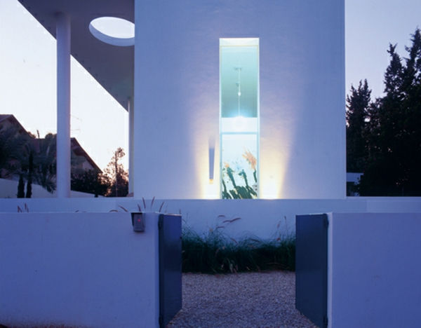 architecture-bauhaus-inspiree-villa-a-tel-aviv-resized
