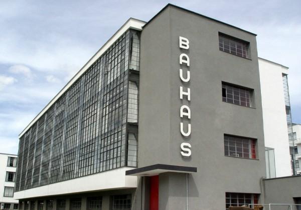 architecture-bauhaus-l'ecole-dessau-resized