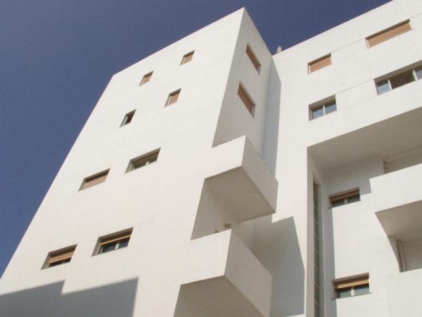 architecture-bauhaus-moderne-tel-aviv-blanc-resized