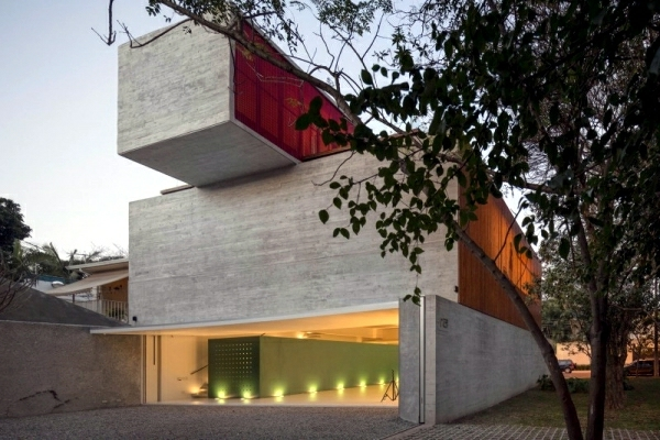 architecture-bauhaus-modernne-maison-solide-sao-paolo-resized