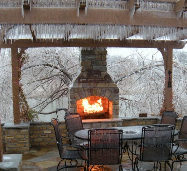 La cheminée dextérieur crée lambiance de votre jardin ou terrasse ...