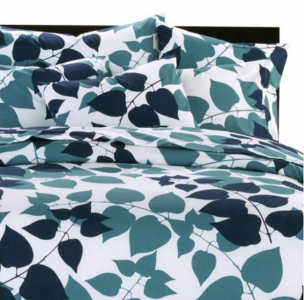 bed-linen-with-botanical-pattern-for-luxury-bedroom-photograph-01-657x649-resized