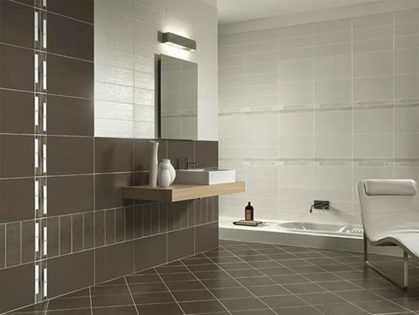 Le carrelage mural pour la salle de bain le style et la for Carrelage salle de bain gris et blanc