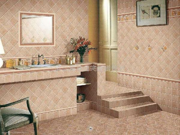carrelage-mural-pour-la-salle-de-bain-et-un-escalier-céramique
