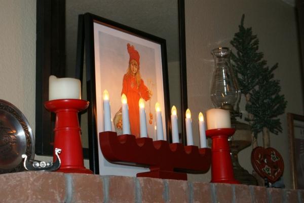 chandelier-en-bois-déco-rouge-et-blanc-Noel