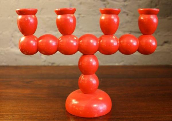 chandelier-en-bois-coloré-rouge