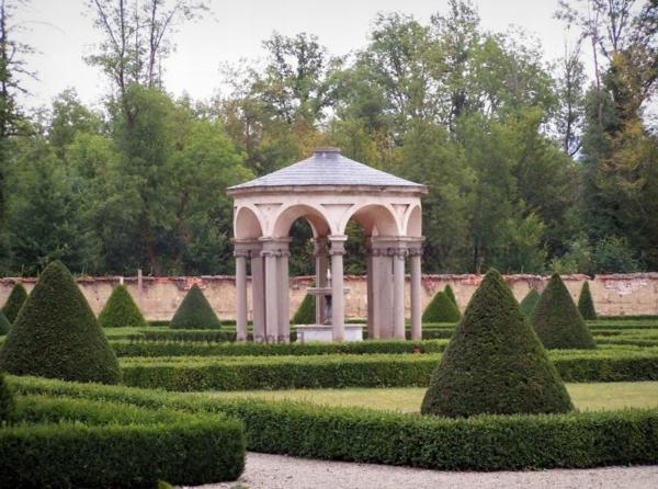 chateau-de-la-bastie-d-urfe-03-resized