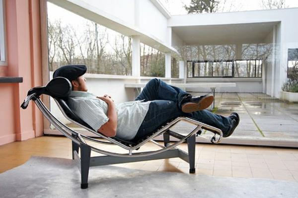 confortable-chaise-longue-corbusier